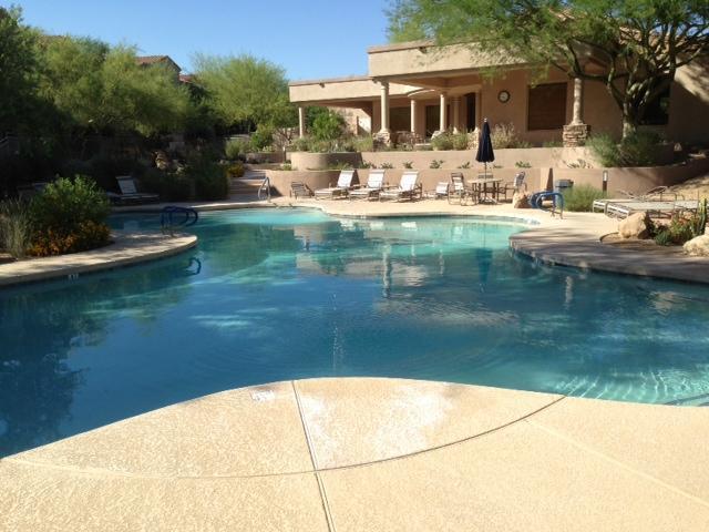 Belangrijkste zwembad & fitnessruimte - stappen buiten de voordeur