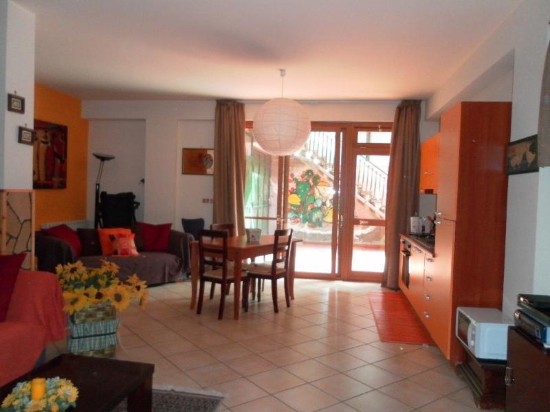 A CASA DI EMILIA - tra Etna e Taormina, vacation rental in Aci Sant'Antonio
