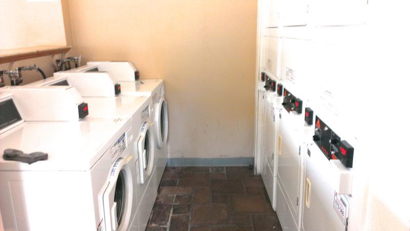 shared laundryroom