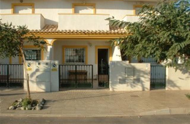 Revelinluxury pas 2. 4 chambres 2 coucher maison de ville 2 mn de la plage avec com/piscine
