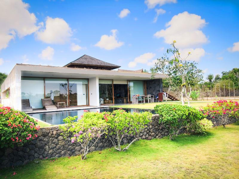 New 3br Jimbaran, Balangan Beach Front Villa!, holiday rental in South Kuta