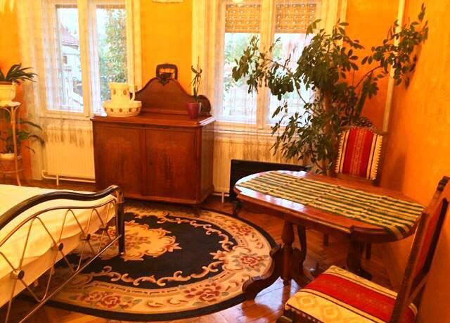 Debrecen belvárosában, nyugodt környezetben található kiadó szoba., alquiler vacacional en Hajdu-Bihar County