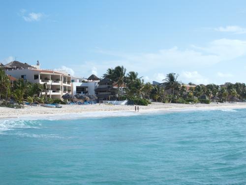 VillasDeRosa; Two Bedroom Beach Front Condo, vacation rental in Akumal