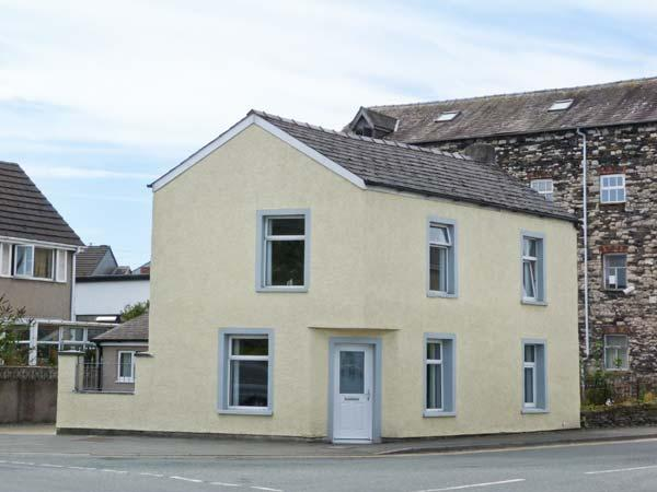 TOWN BECK COTTAGE, detached, pet-friendly, ideal touring base, in Ulverston, casa vacanza a Bardsea