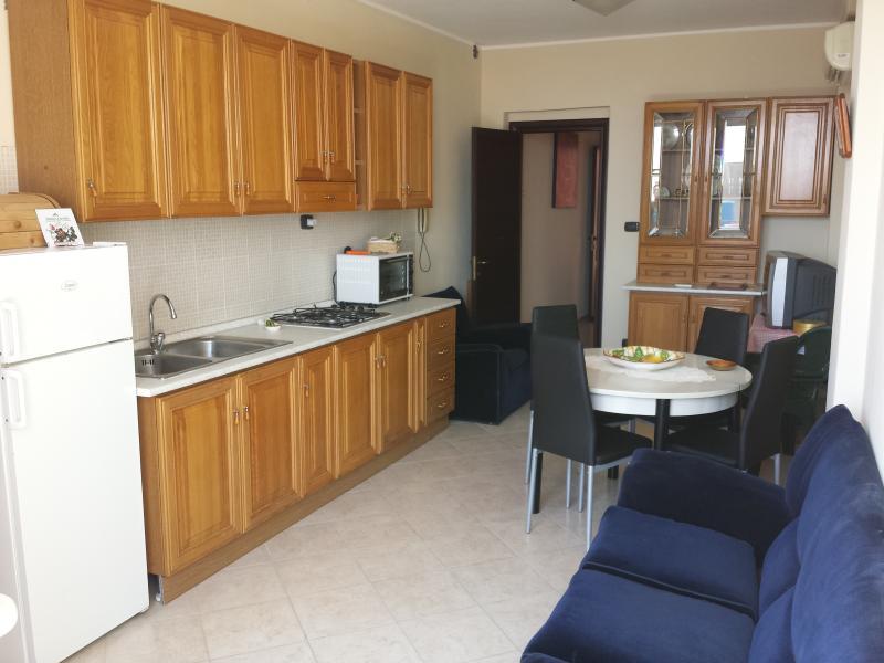 Appartamento arredato 'Il Terrazzo sull'Etna', holiday rental in Zafferana Etnea