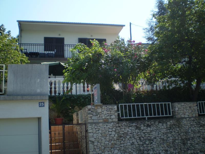 Apartment Desa, location de vacances à Mastrinka