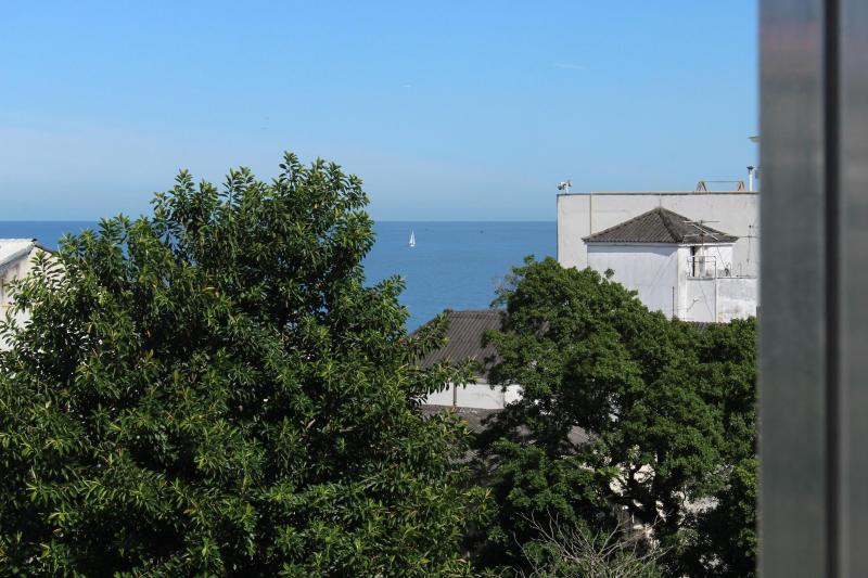 Lovely studio, few steps to Ipanema & Copacabana Beaches, best location in Rio!, alquiler de vacaciones en Río de Janeiro