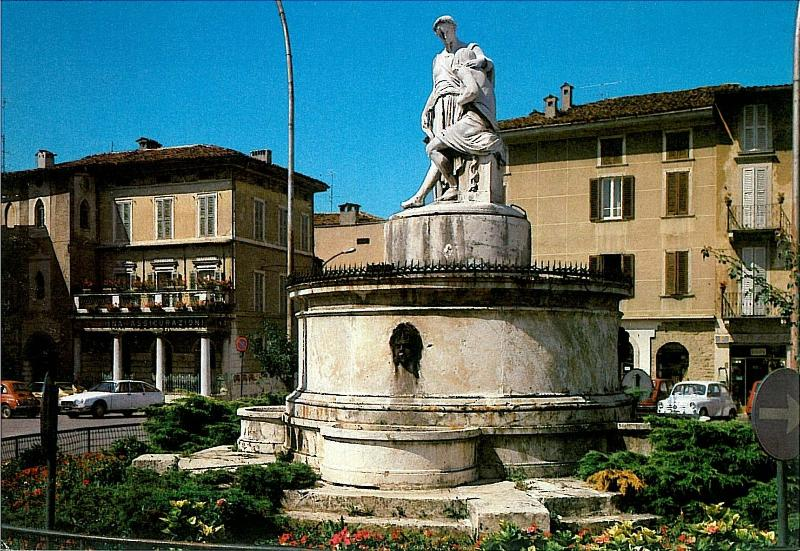 EXPO SUITE old Town VAL CAVALLINA, holiday rental in Zandobbio