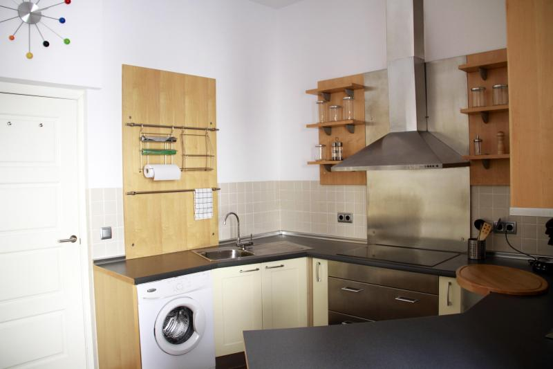 Fully Fitted Kitchen