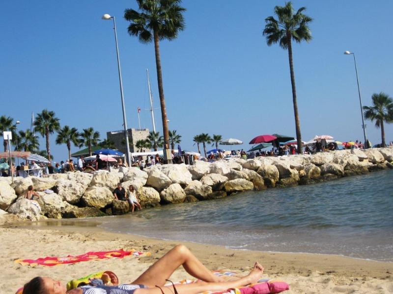 Golfe-Juan's Beach, just over 5 mins walk