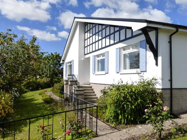 SILVERDALE MOUNT all ground floor, WiFi, superb views, family-friendly in, vacation rental in Kents Bank