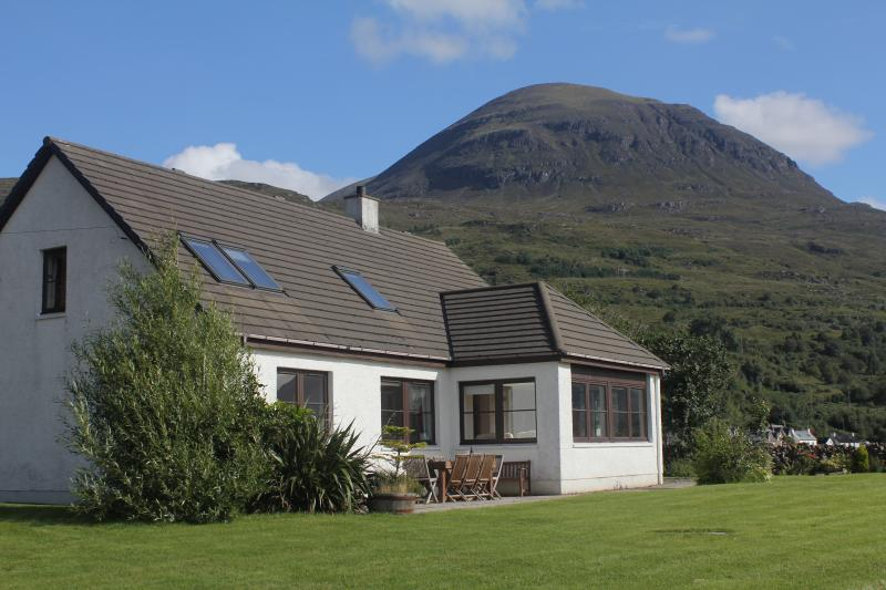 Ben View, nestled between the beautiful Torridon mountains and stunning Loch Torridon