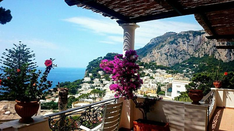 Dream Home With Stunning Sea Views In Capri, location de vacances à Capri