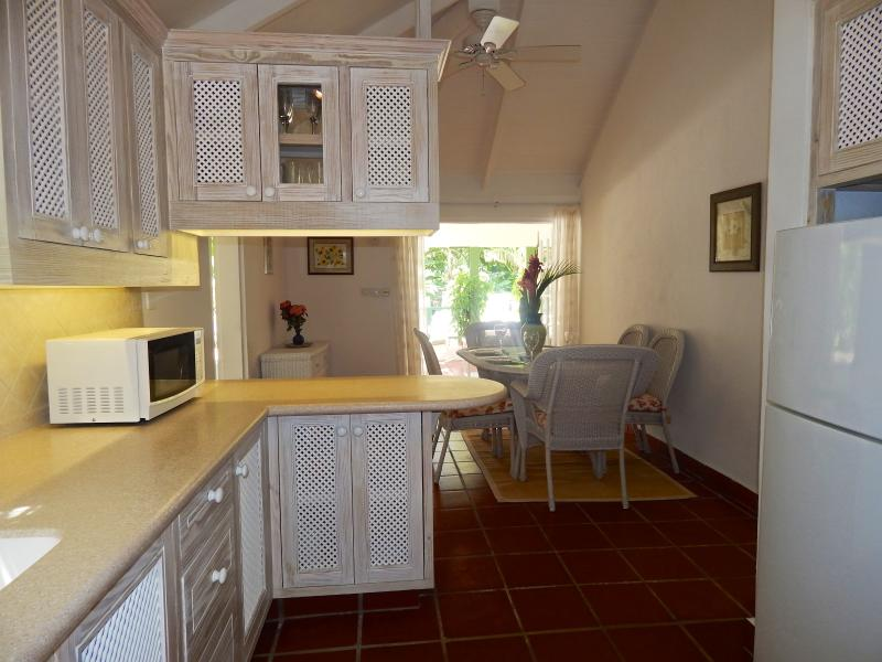 Newly appointed kitchen and open plan indoor dining