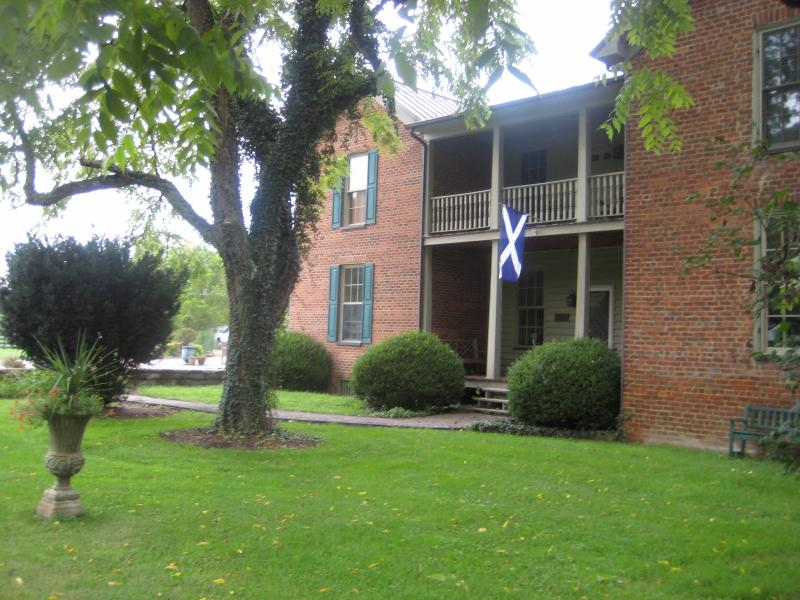 A Wee bit o Scotland in the highlands of Virginia, holiday rental in Glade Spring