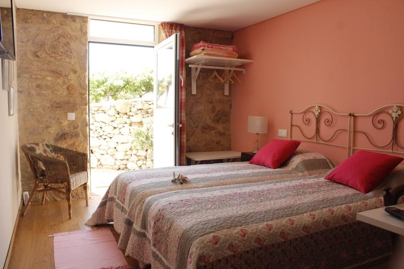 Casa da Nininha - T0 Rosa, holiday rental in Vale de Cambra