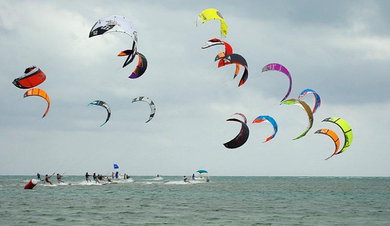 Kite Boarding in Ashbridges Bay