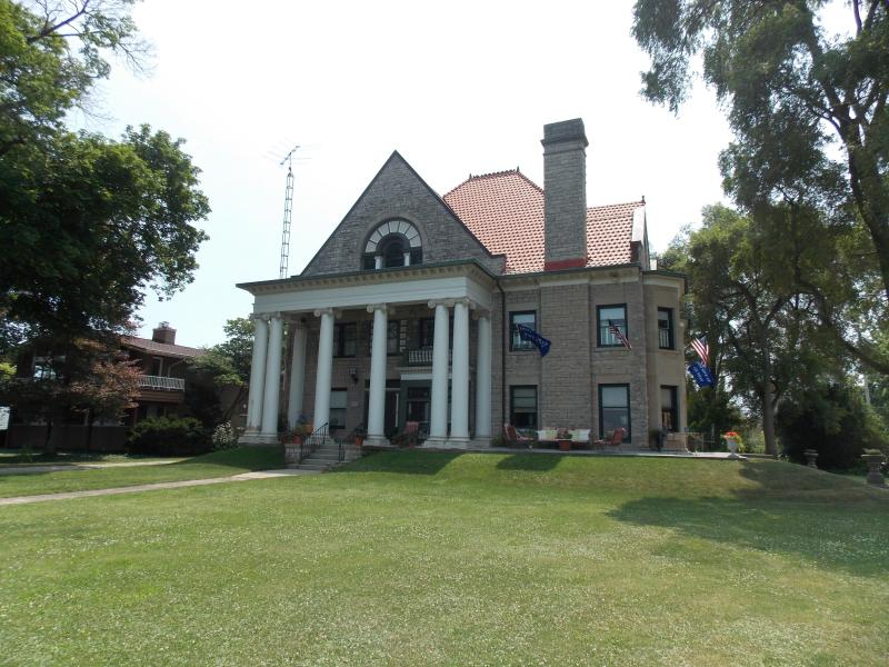 Historic Stone House On The Shores Of Lake Erie!, aluguéis de temporada em Lacarne