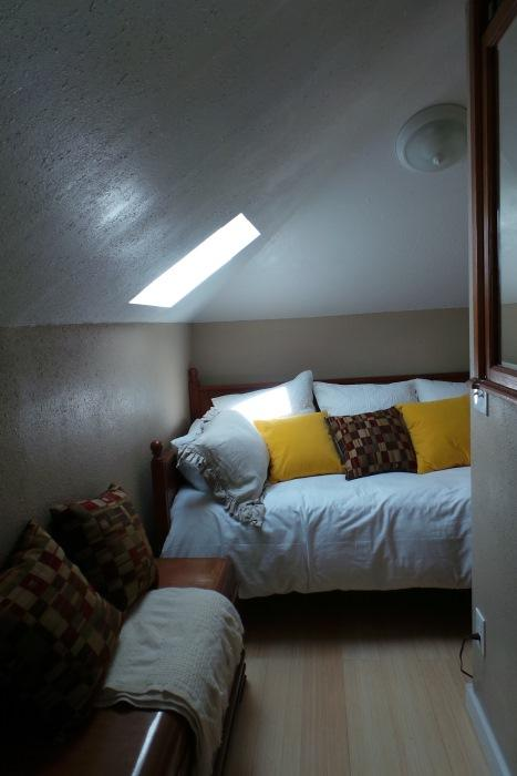 Day /bed in Closet area