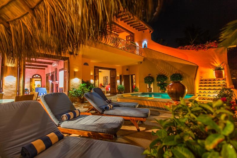 RELAX ON THE POOL TERRACE