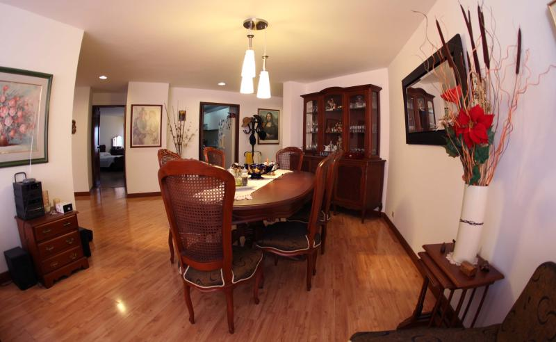 beautiful appartment with 4 room - exclusive site, vacation rental in Bogota