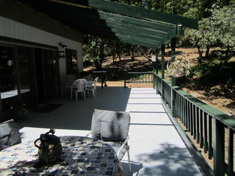 Side entrance/Wrap around deck