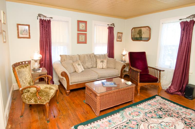 Seperate Sitting Rooms