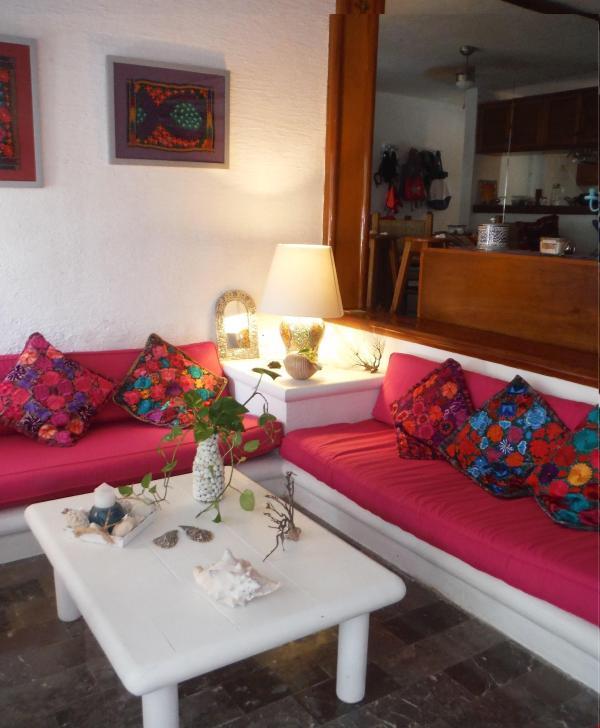 2 divan beds: 190X75 cm & 178X75 cm, suitable for 2 children