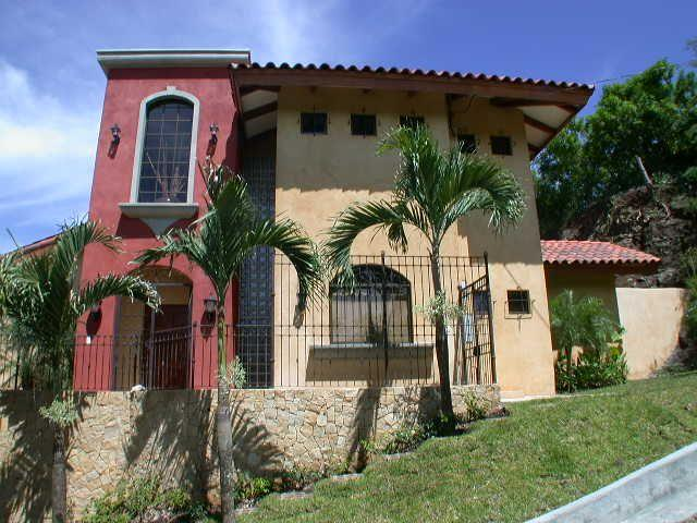 Mediterranean Villa with breathtaking view, holiday rental in Huacas
