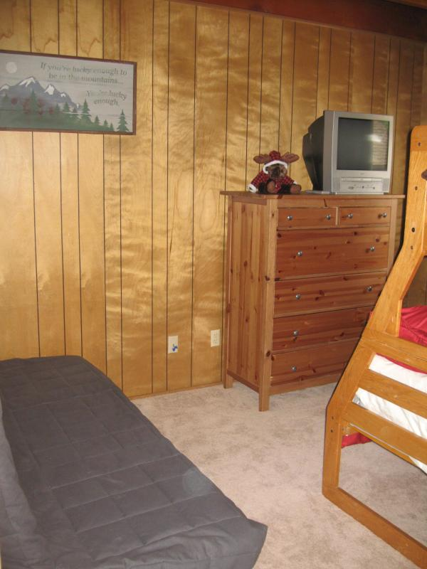 Downstairs Bedroom bunk bed and futon