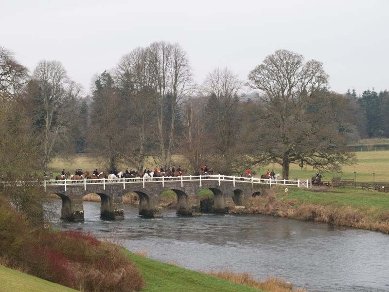Scarteen Hounds cross the White Bridge in Mount Juliet...
