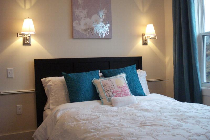 Dormitorio vista trasera Cofa y Gun Hill