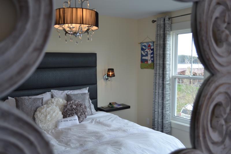 Dormitorio - todas las habitaciones tienen ropa de cama de alta calidad e iluminación personalizada
