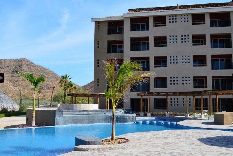 2-Bdrm w/ Panoramic Sea View - Marina Punta Nopolo, vacation rental in Loreto