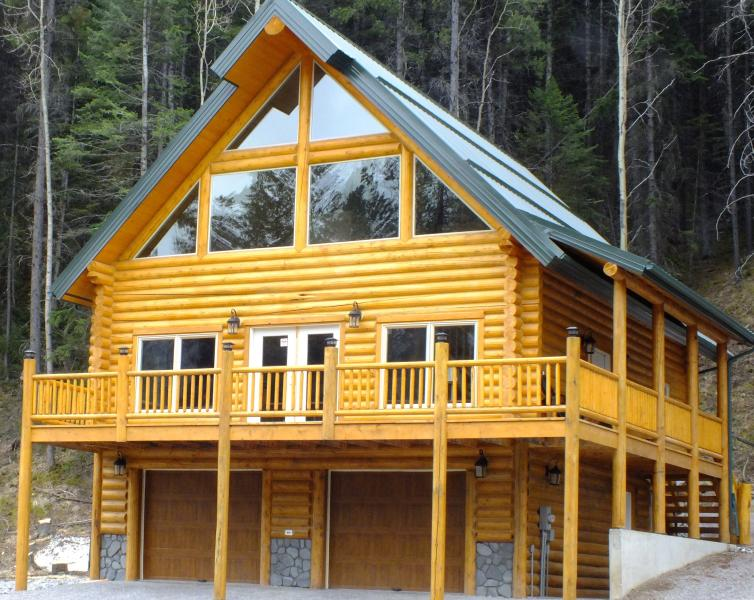Main Chalet , Log house, Quiet Location, Mountain View
