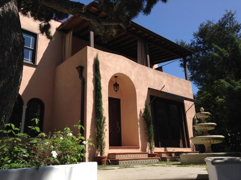 Elegant Hollywood Estate located in celebrity residential area
