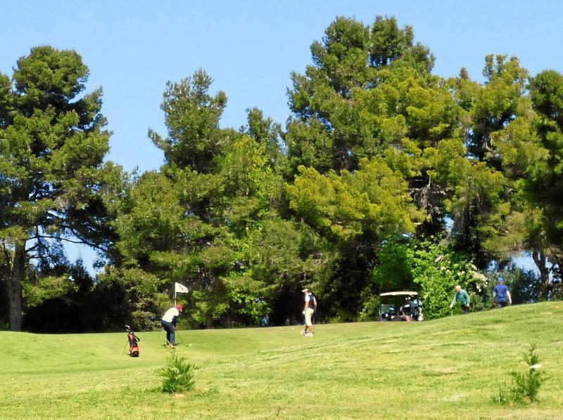 18-hole golf courses in Carcassonne and Narbonne