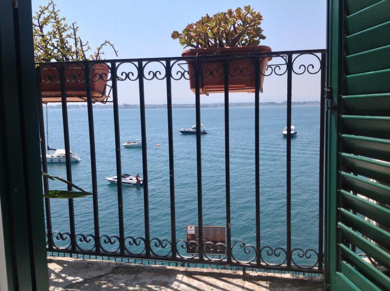 ARETUSA Sea View Apt