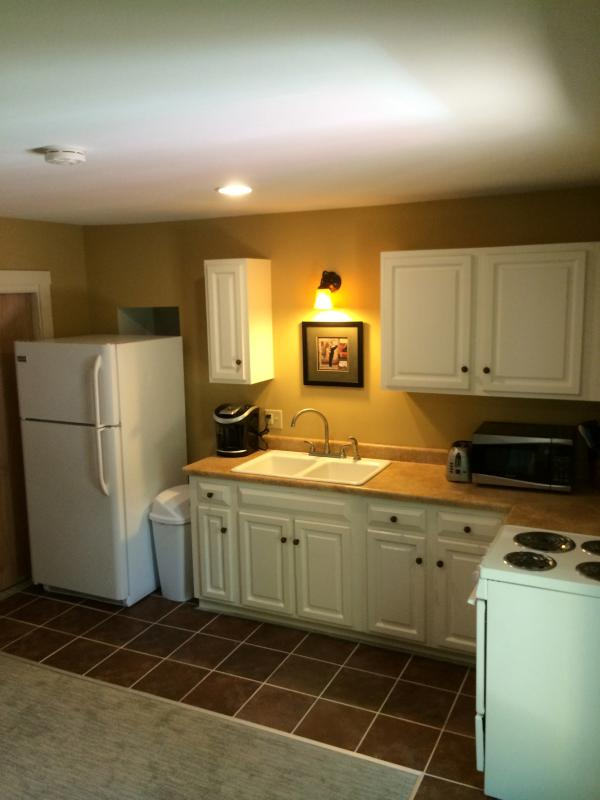 Another view of the kitchen.