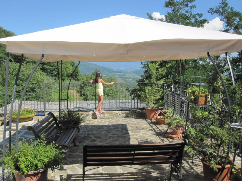 Enjoing the patio and view #firenzerentalswithview