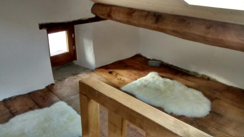 NEW attic room (low celing)