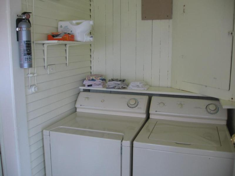 Washer/dryer off the kitchen