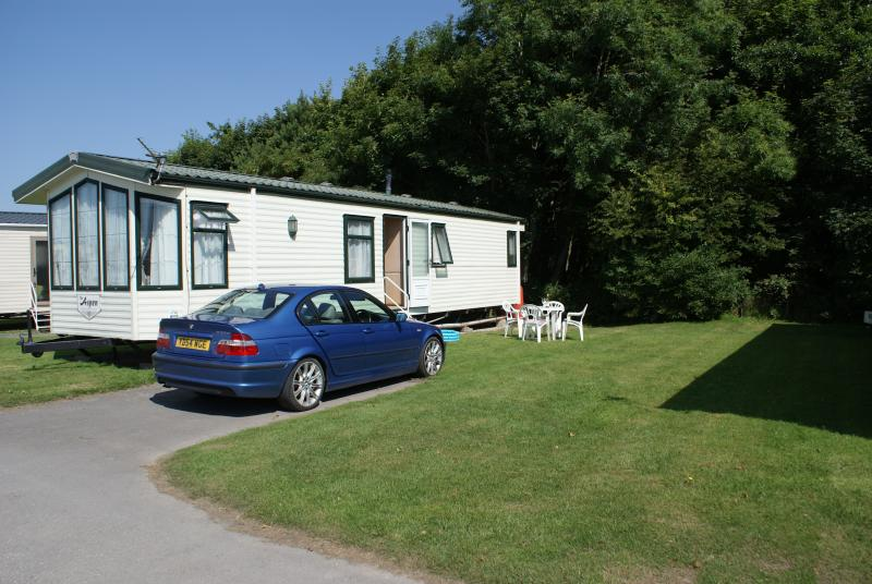 Lakeland Leisure Mobile Home, holiday rental in Holme