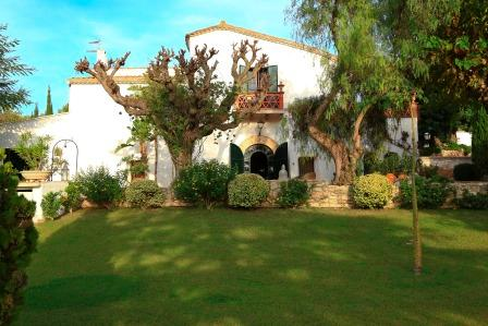 MASIA CAN PARES, set in nature, private gardens with pool, near Sitges,Barcelona, alquiler vacacional en Sant Pere de Ribes
