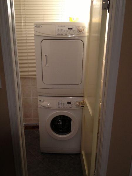Tvättmaskin och torktumlare bekvämt