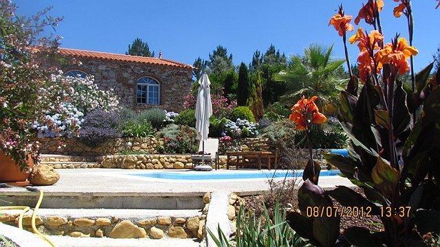 Os Arcos - Beautiful Stone Built Cottage, aluguéis de temporada em Arganil