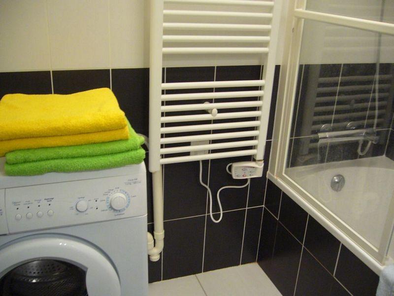 Fresh towels, linens, washing-machine