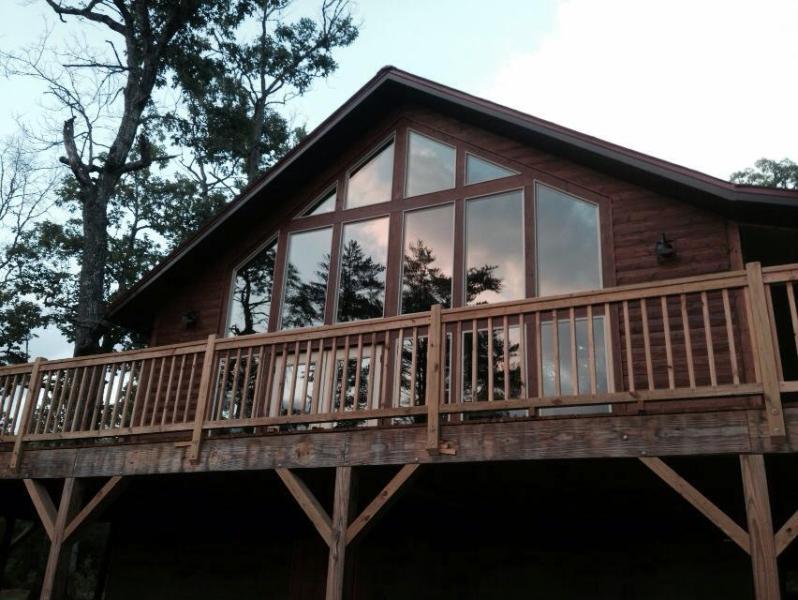 Bearadise Cabin in Franklin, NC  Sleeps 2, holiday rental in Franklin
