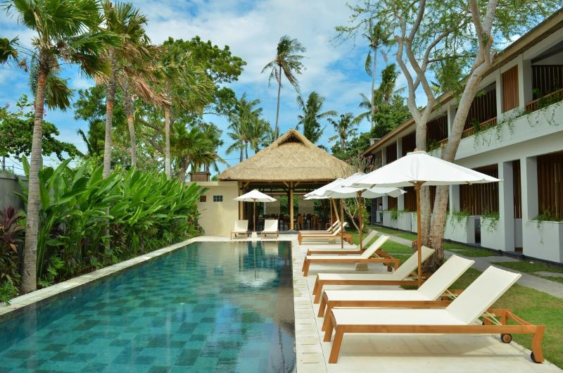 Swimming pool and lounges
