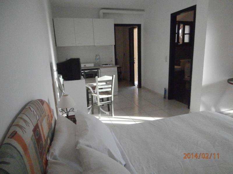 SANDY BEACH VILLAS & APARTMENTS - STUDIO, location de vacances à Agia Pelagia